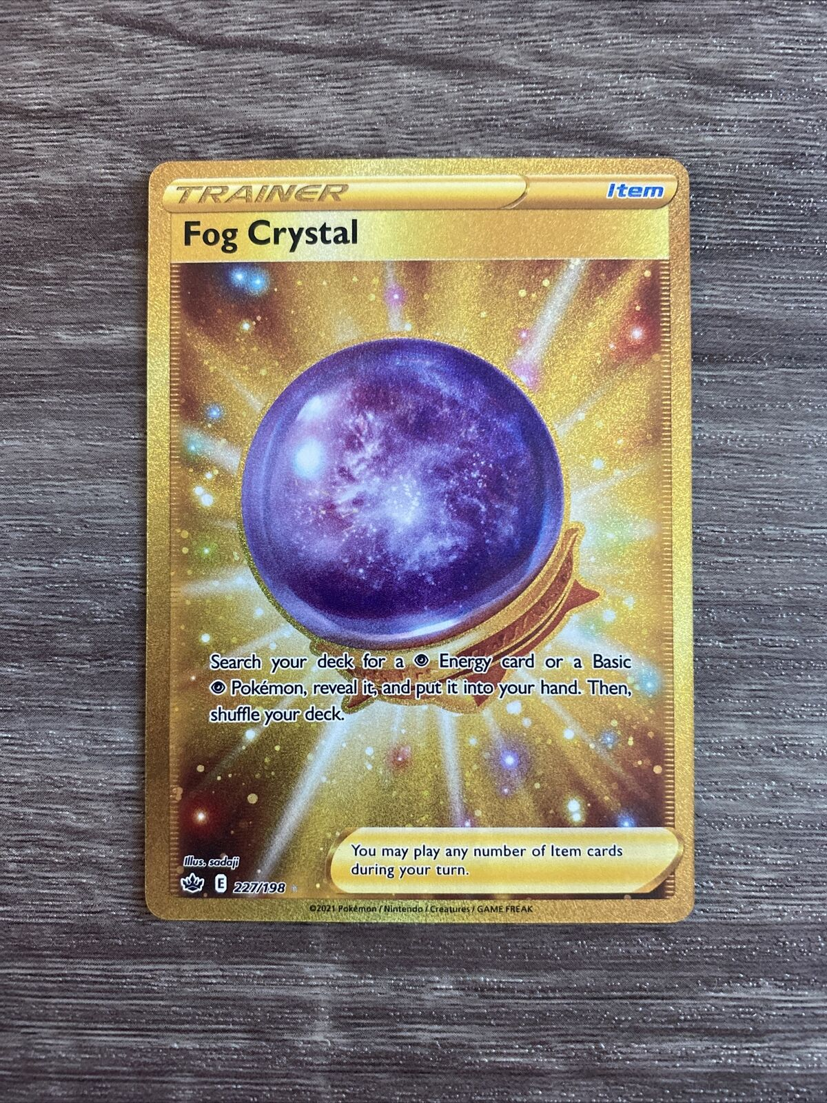 Fog Crystal Pokémon Gold Secret Rare Trainer Card 227/198 Chilling Reign Mint