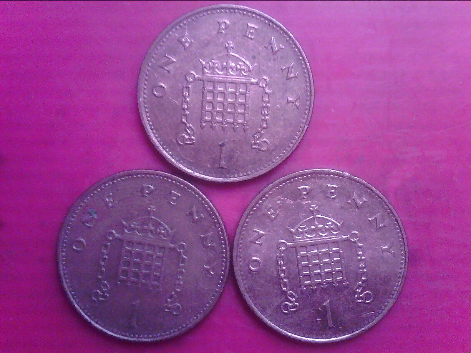 GREAT BRITAIN ONE PENNY 1998 1999 2000 JUL01F - Image 1