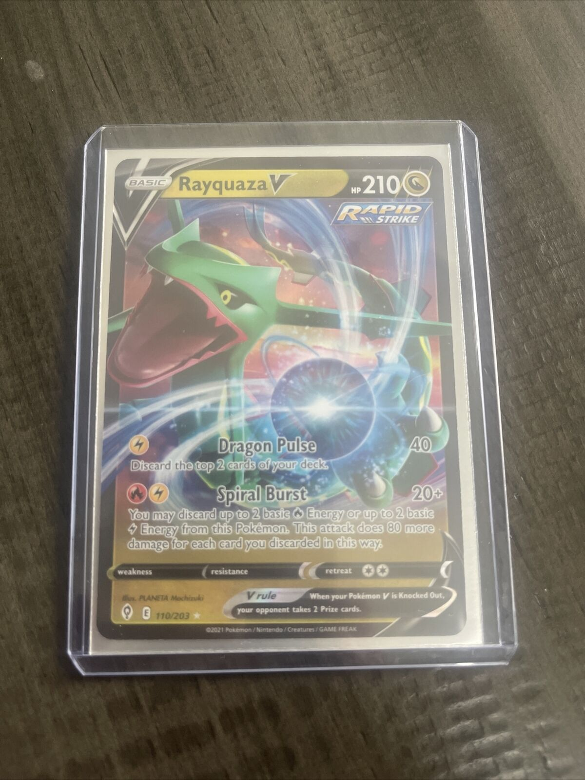 Rayquaza V 110/203 Pokemon TCG Evolving Skies Full Art Ultra Rare LP/NM - Image 1