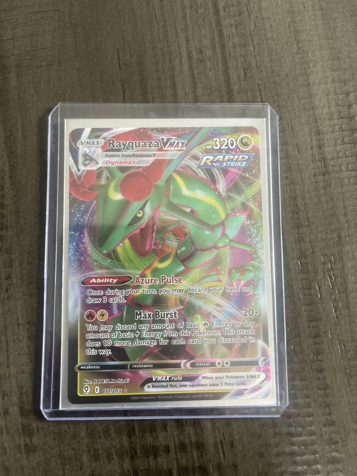 Pokémon TCG Rayquaza VMAX 111/203 Evolving Skies
